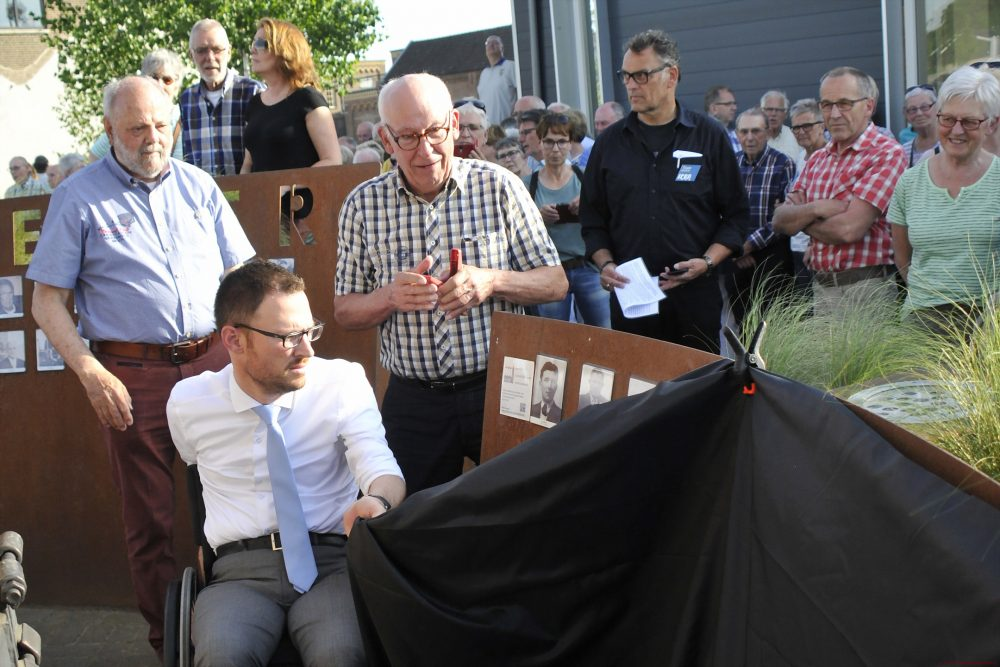 Opening 2e galerij door burgemeester Otwin van Dijk